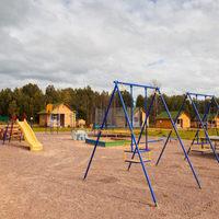 Детская площадка на базе отдыха в ЛО